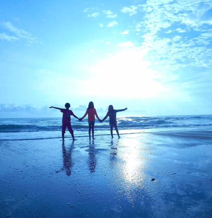 beach-1214467_1920