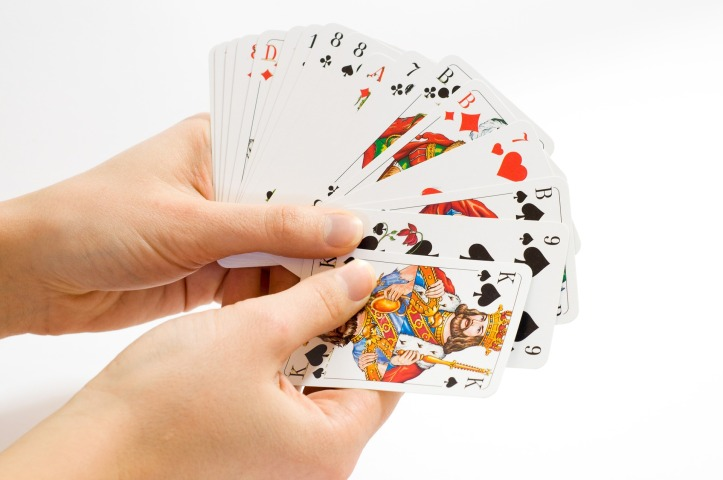 card-game-1834640_1920