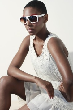 sunglasses-1547492_1920