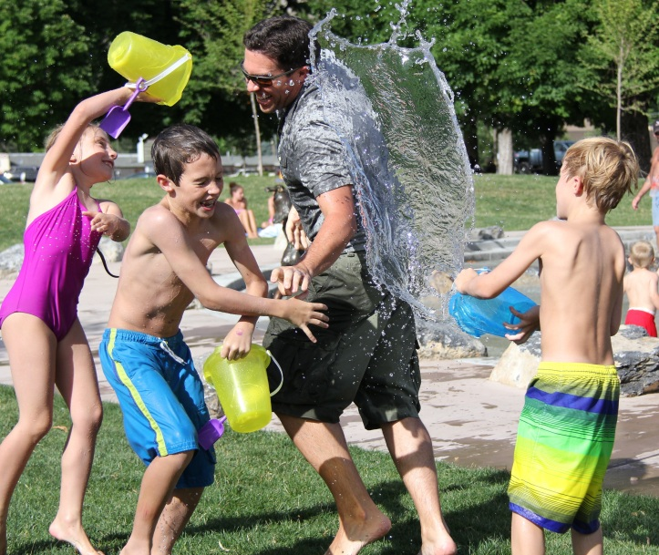 water-fight-children-water-play-51349